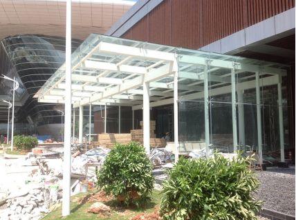 深圳机场t3航站楼钢结构玻璃雨棚